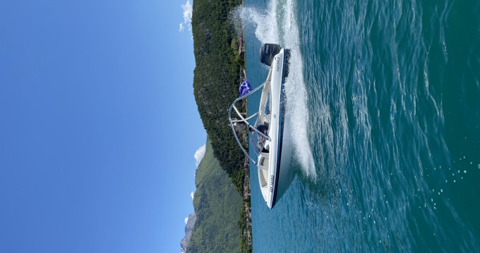 Boat rental Four Winns Horizon 180 in Saint-Jorioz on Samboat