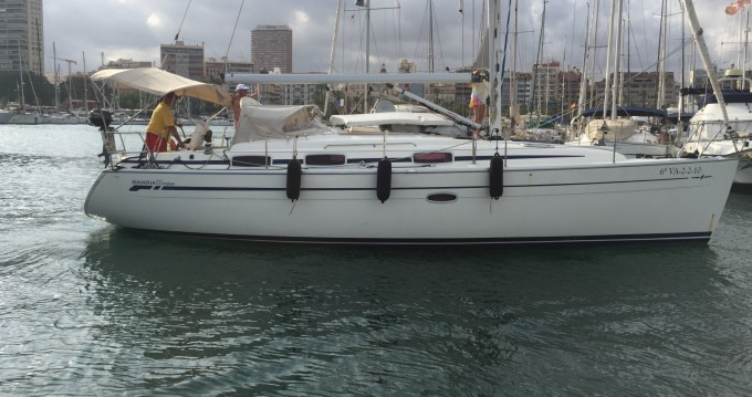 Rental Sailboat in Alicante - Bavaria Bavaria 37 Cruiser