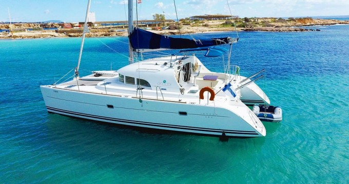 Rental yacht Palma de Mallorca - Lagoon Lagoon 380 on SamBoat