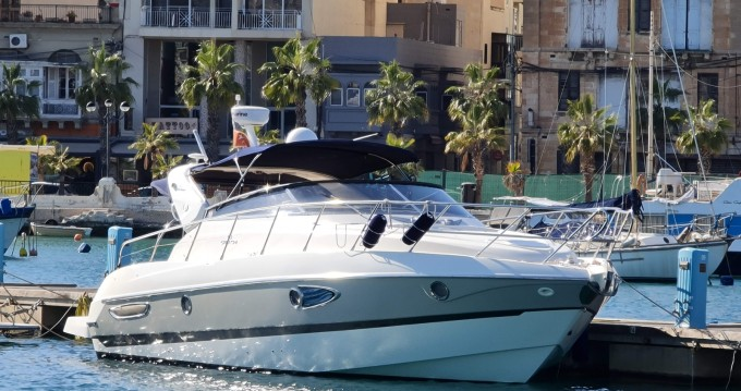 Motorboat for rent Gżira at the best price