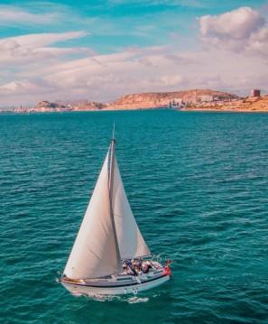 Rent a Moody Eclipse 33 Port de Alicante