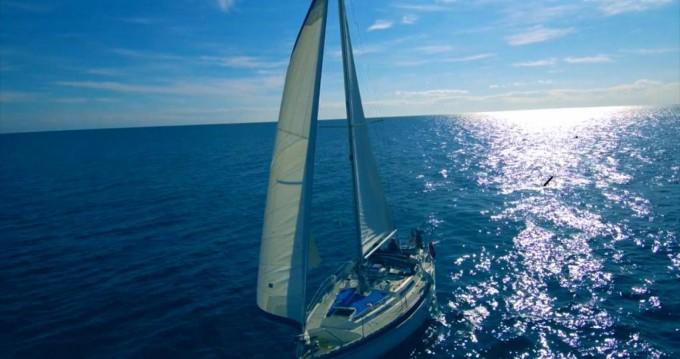Rental Sailboat in Port de Alicante - Moody Eclipse 33