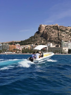 Motorboat for rent Port de Alicante at the best price