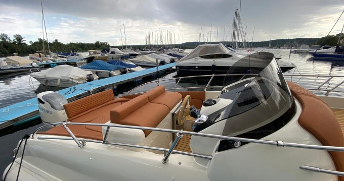 Motorboat for rent Palau at the best price