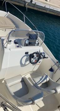 Rental Motorboat in L'Estaque - Quicksilver Activ 555 Open