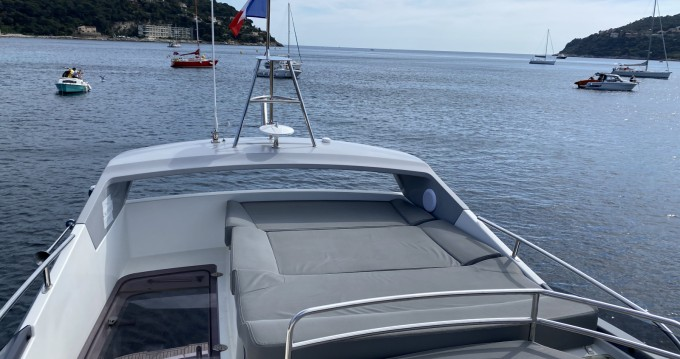 Rental yacht Saint-Laurent-du-Var - Bénéteau Antares 42 Fly on SamBoat
