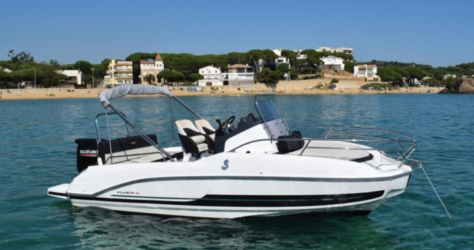 Bénéteau Flyer 5.5 SUNdeck between personal and professional Blanes