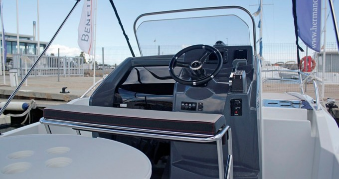 Motorboat for rent Blanes at the best price