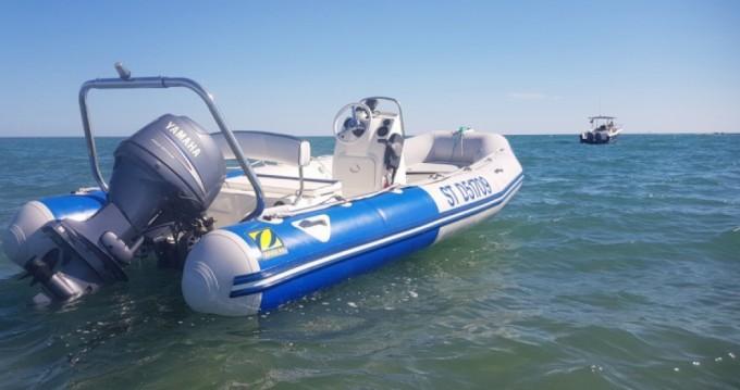 Rental yacht Hyères - Zodiac Medline 500 Sundream on SamBoat