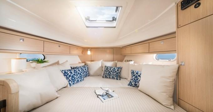 Rental yacht Mandelieu-la-Napoule - Bavaria Bavaria 31 Sport on SamBoat