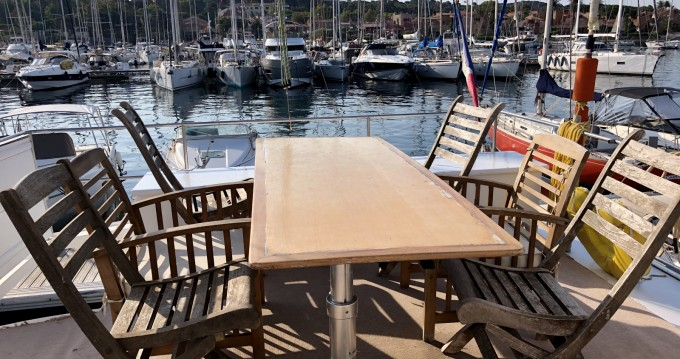 Hire Catamaran with or without skipper Tropic Composites Porquerolles