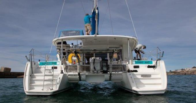 Boat rental Sète cheap Lagoon 400