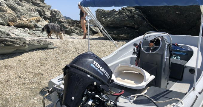 Rental Motorboat in Six-Fours-les-Plages - Fun Yak SECU 15