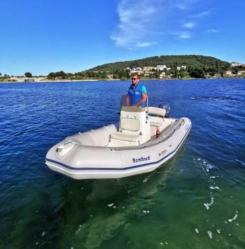 Boat rental Sète cheap Explorer 500 SB