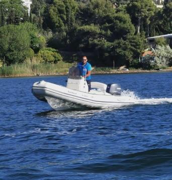 Boat rental Bombard Explorer 500 SB in Sète on Samboat