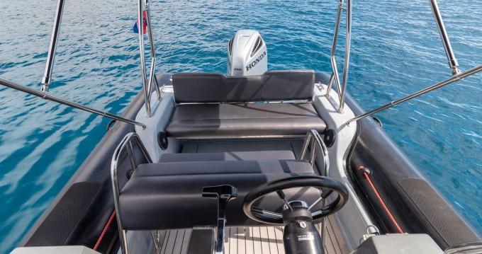 Valiant Valiant 760 Sport between personal and professional Split Ferry Port