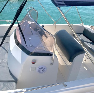 Hire Motorboat with or without skipper Pacific Craft Mahón