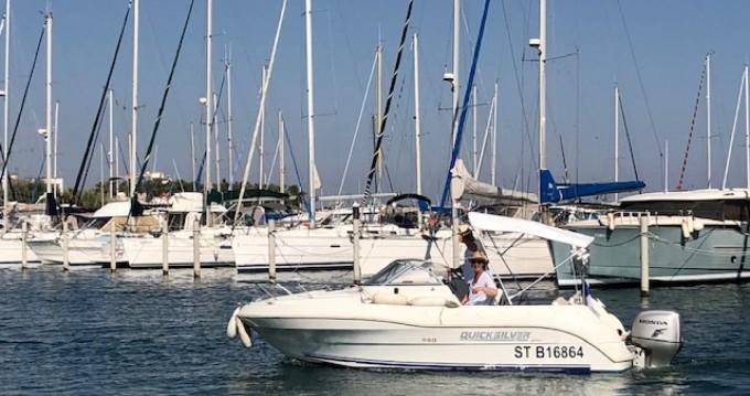 Boat rental La Grande-Motte cheap Activ 595 Cruiser