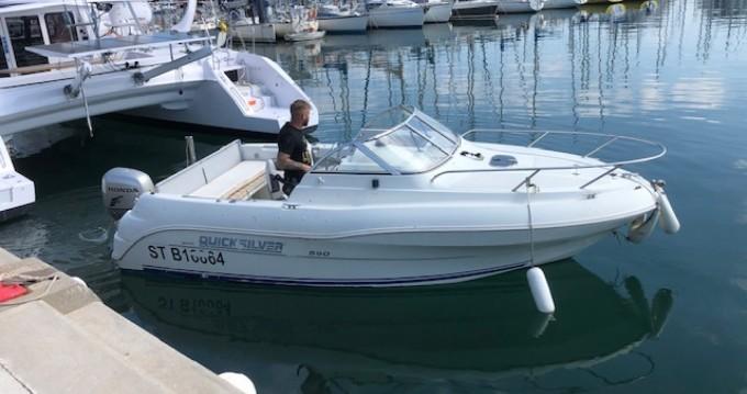 Motorboat for rent La Grande-Motte at the best price
