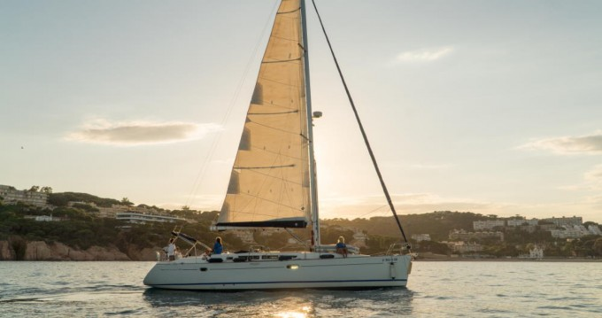 Sailboat for rent Castell-Platja d'Aro at the best price