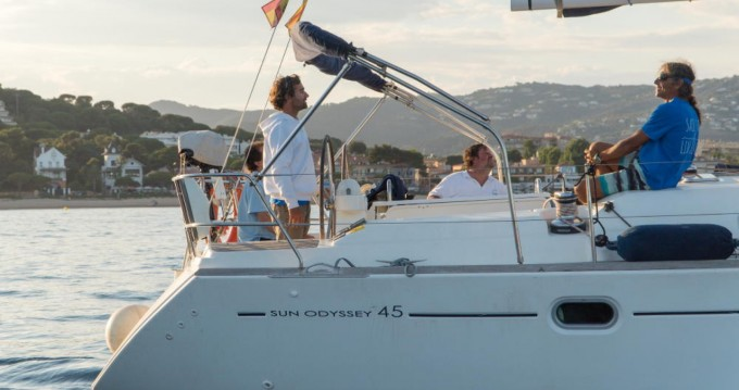 Hire Sailboat with or without skipper Jeanneau Castell-Platja d'Aro