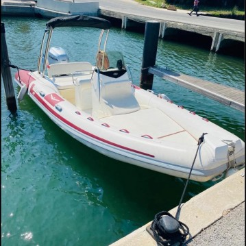 Boat rental Pointe-Rouge cheap Comfort 110