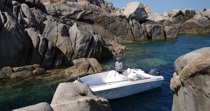 Hire Motorboat with or without skipper Jeanneau Propriano