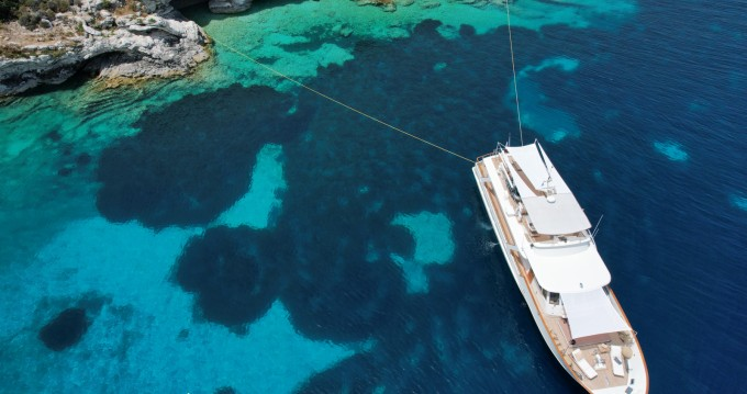 Yacht for rent Corfu at the best price
