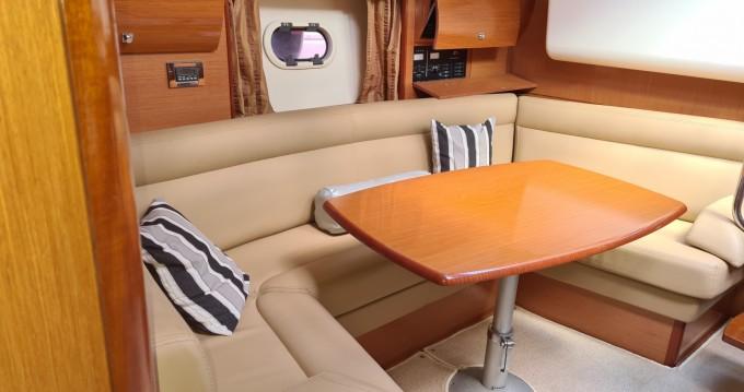 Jeanneau Prestige 38 S between personal and professional Les Trois-Îlets