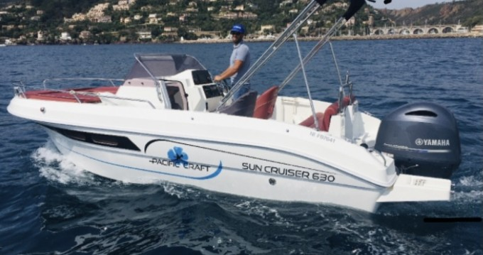 Boat rental Pacific Craft Pacific Craft 630 in Mandelieu-la-Napoule on Samboat