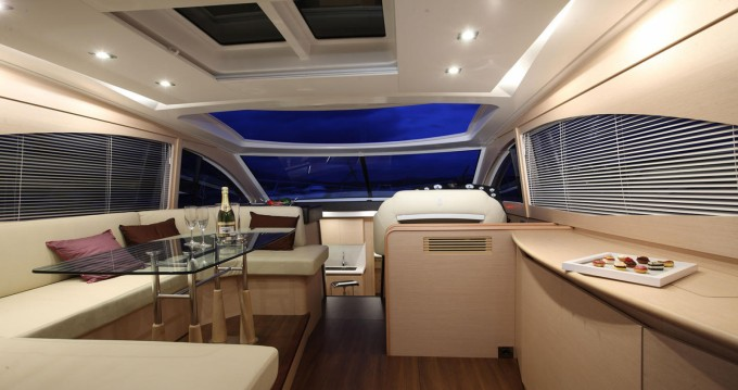 Motorboat for rent Taranto at the best price
