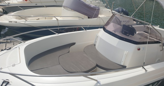 Boat rental Pacific Craft Pacific Craft 670 North Shore in Argelès-sur-Mer on Samboat