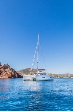 Boat rental Mandelieu-la-Napoule cheap Helia 44 Evolution