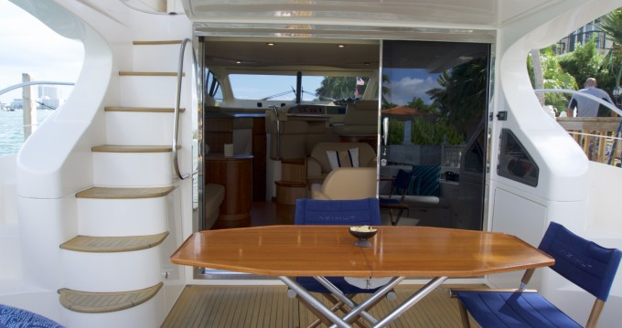 Azimut Azimut 50 Fly between personal and professional South Miami Beach