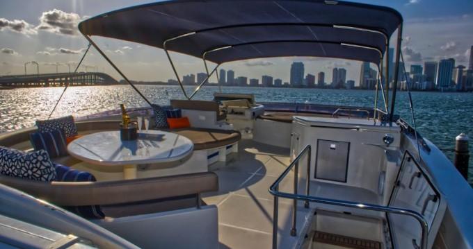 Rental Yacht in South Miami Beach - Ferretti Ferretti 80