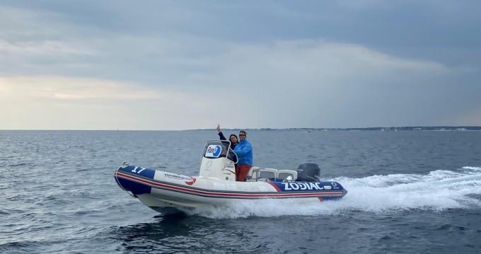 Boat rental La Trinité-sur-Mer cheap Pro Open 650