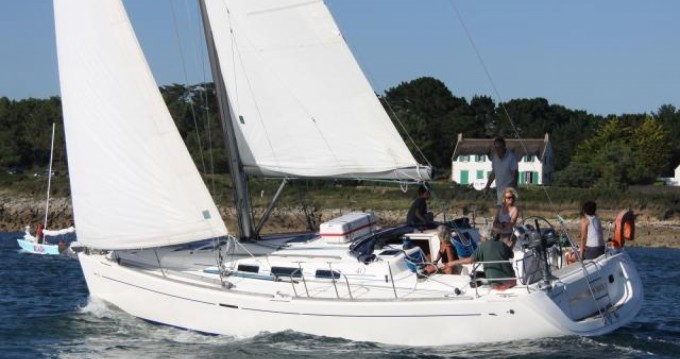 Rental Sailboat in Marseille - Dufour 40