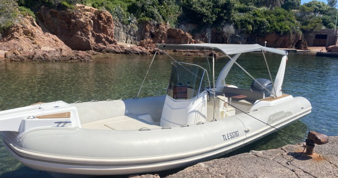 Hire RIB with or without skipper Capelli Fréjus