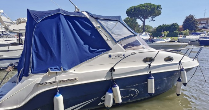 Motorboat for rent Terracina at the best price