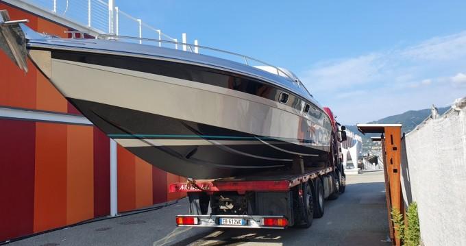Boat rental Tullio-Abbate Offshore in La Spezia on Samboat