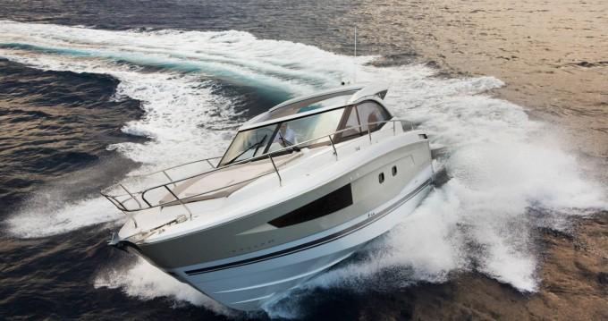 Boat rental Jeanneau Leader 36 Open in Antibes on Samboat