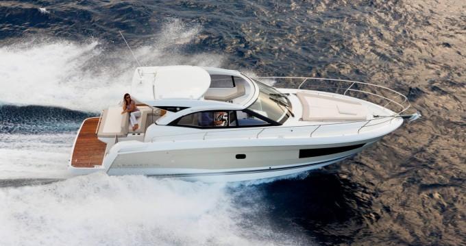 Rental Motorboat in Beaulieu-sur-Mer - Jeanneau Leader 36 Open