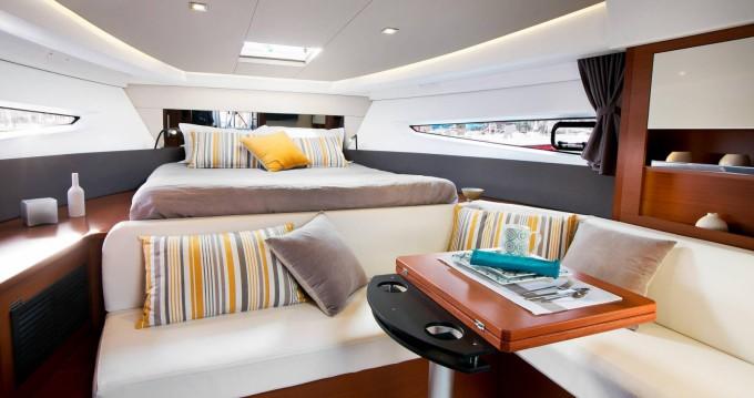 Rental yacht Beaulieu-sur-Mer - Jeanneau Leader 36 Open on SamBoat