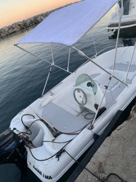 Boat rental Jeanneau Cap 400 Console in Pointe-Rouge on Samboat