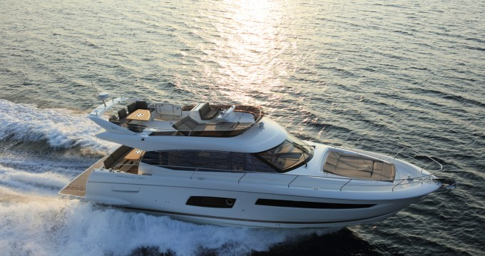 Yacht for rent Beaulieu-sur-Mer at the best price