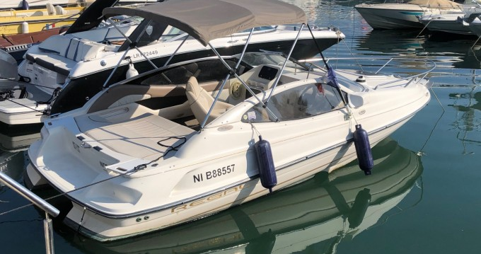 Rental Motorboat Régal with a permit