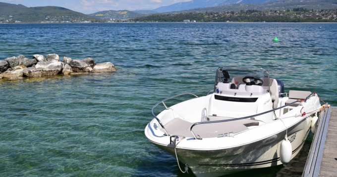Boat rental Jeanneau Cap Camarat 4.7 Style in Aix-les-Bains on Samboat
