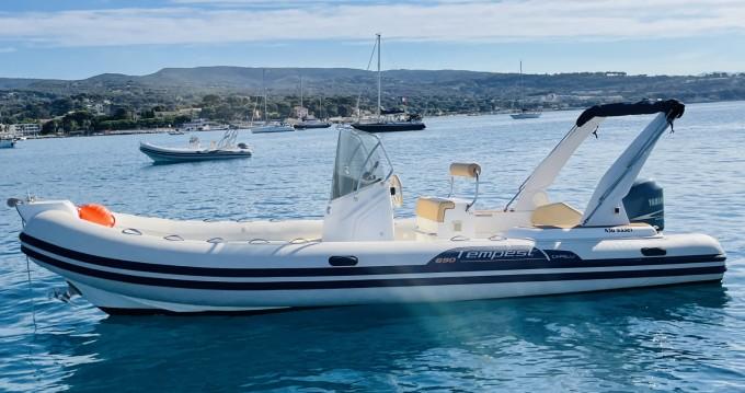 Boat rental Capelli Tempest 690 Luxe in La Ciotat on Samboat