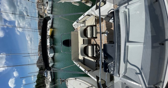 Motorboat for rent Port Cogolin at the best price