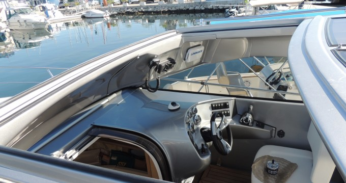 Rental Motorboat Mirakul with a permit